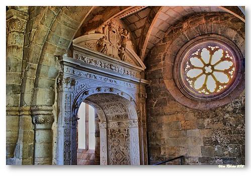 Arco tumular maneirista em Santa Clara-a-Velha by VRfoto