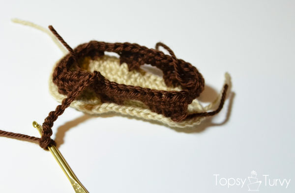 crochet-baby-sandals-right-chain