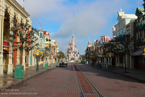 Wandering up Main Street before opening!