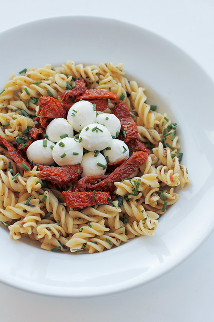 Sun dried tomatoes, Mozzarella Pasta
