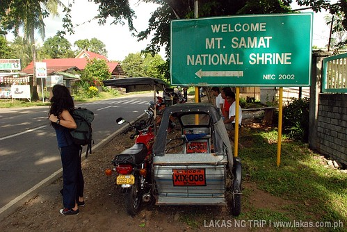 Tricycle at the intersection to Mount Samat at Diwa, Pilar, Bataan