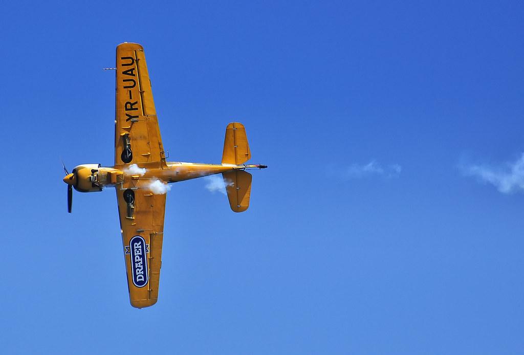AeroNautic Show Surduc 2012 - Poze 7489944896_2a3955a64e_b