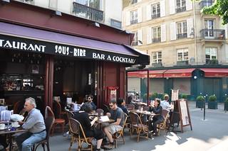 http://hojeconhecemos.blogspot.com/2012/07/sous-rire-paris-franca.html
