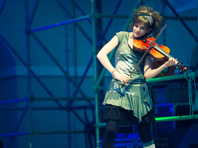 Lindsey Stirling at Celtica 2012 - 01