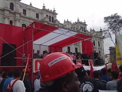 En la Plaza San Martin. by carlos mejia a.