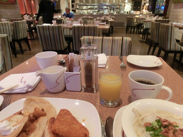 Buffet Breakfast - Royal Plaza on Scotts Hotel