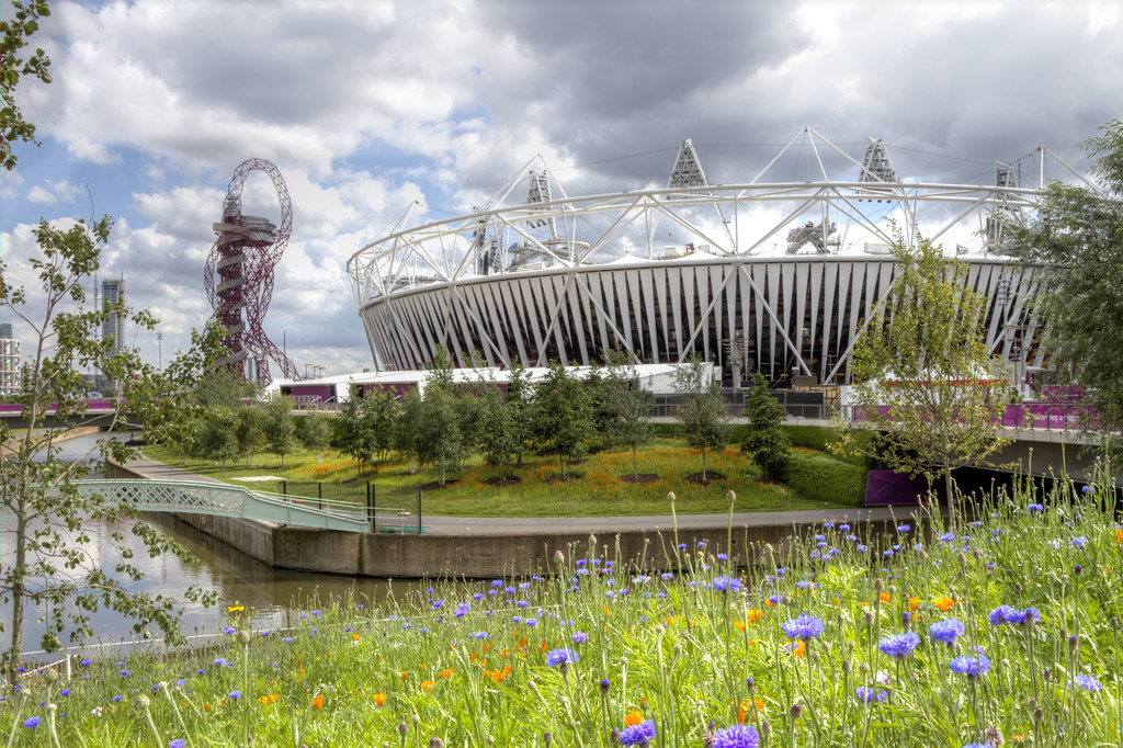 2012-07-19 Flowers in front of the Olympic Stadium 3