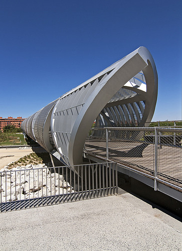 Arganzuela footbridge, Madrid, Spain, by jmhdezhdez
