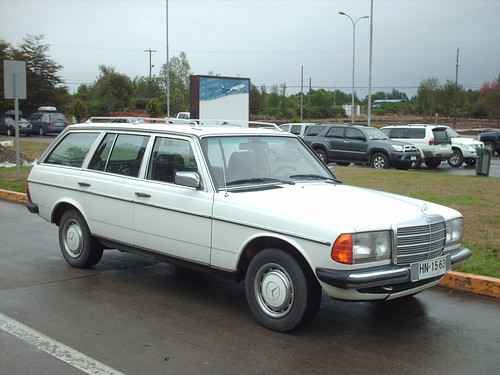Mercedes-Benz 230 TE El Tepual