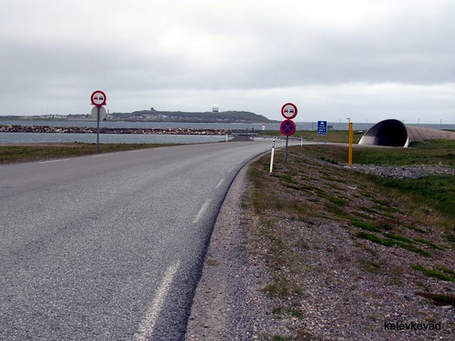 The entrance to Vardø island and Komafest