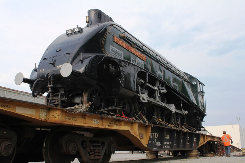 180. Locomotive on the flat car