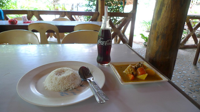 Early lunch stopover at Roxas, Palawan