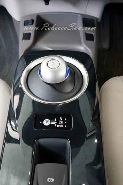 nissan leaf - all electric car-016