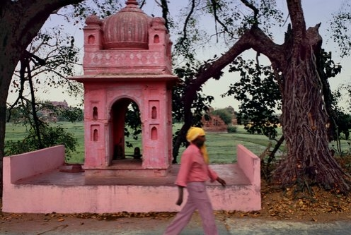 Jeffrey Becom, Pink Landscape, Orchha, Madhya Pradesh, India, 2008