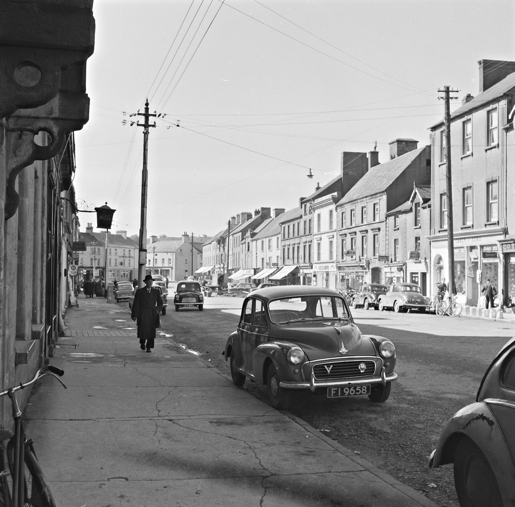 Old photo of Main Street, Roscrea, Co. Tipperary