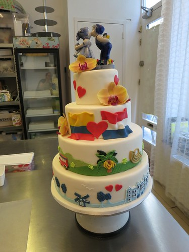 Dutch Colombian wedding by CAKE Amsterdam - Cakes by ZOBOT