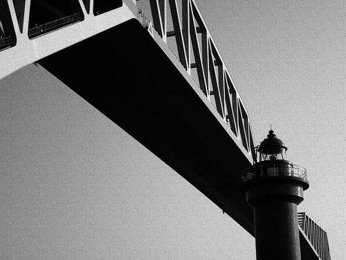 Tokyo-Gate-Bridge-B&W