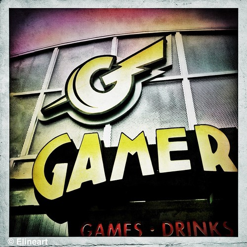 345/365- Gamer by elineart