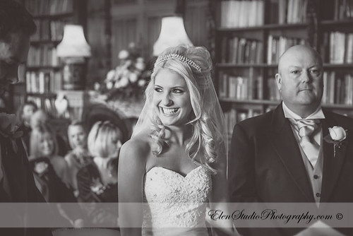 Aldermaston-Manor-Wedding-photos-L&A-Elen-Studio-Photograhy-blog-020