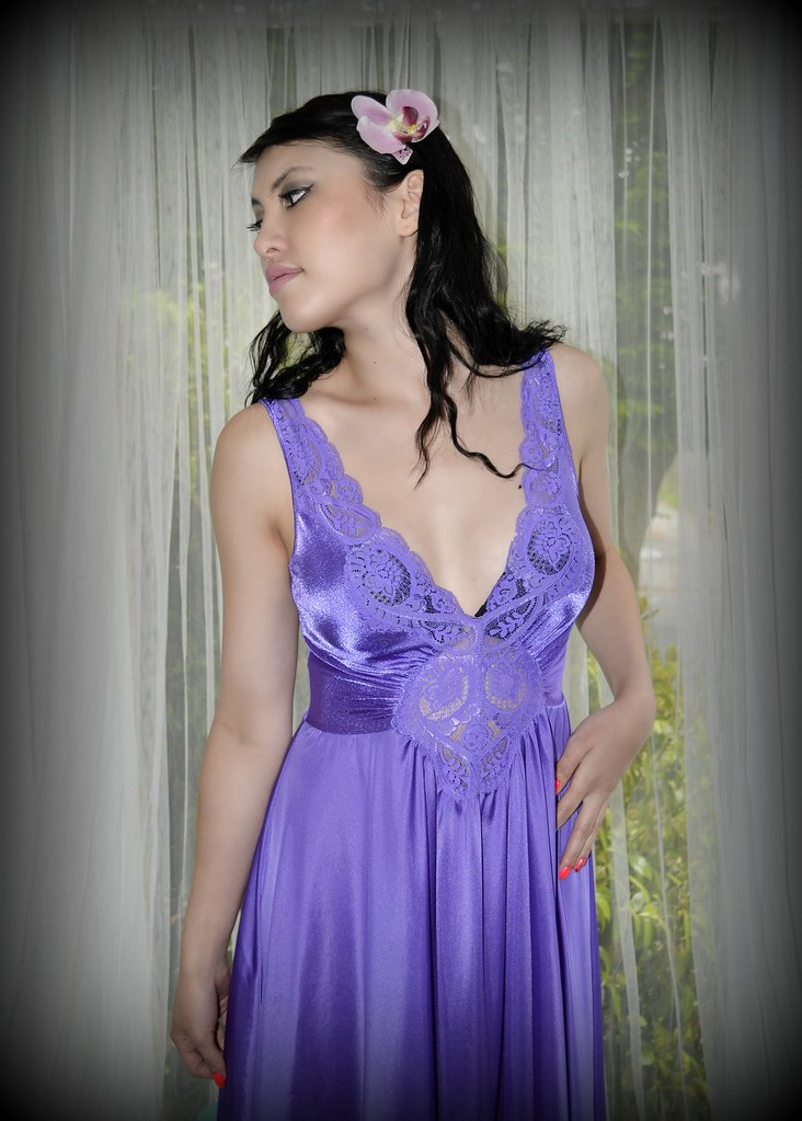 Vintage purple Olga nightgown  d336207ff