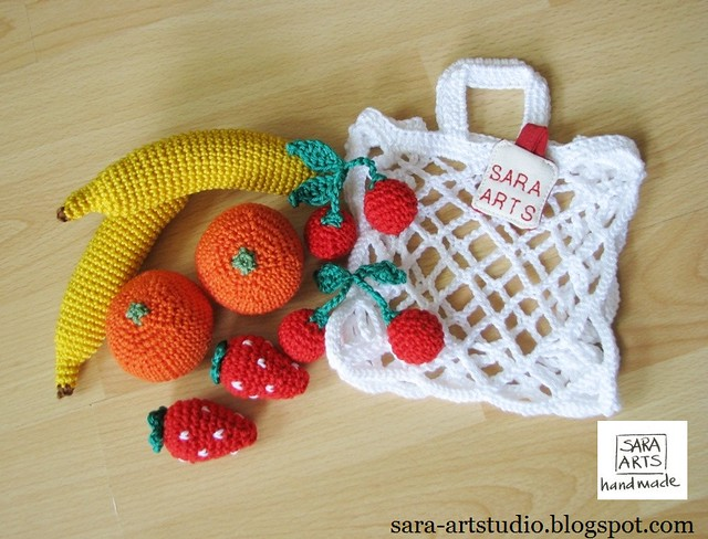 Crochet Shopping Bags with fruits