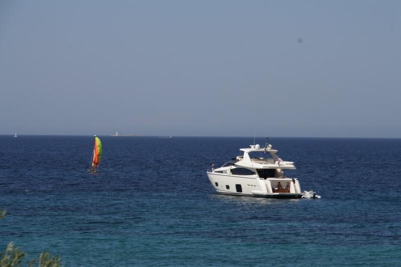IMG_3760 море, яхта и парусник - гориз
