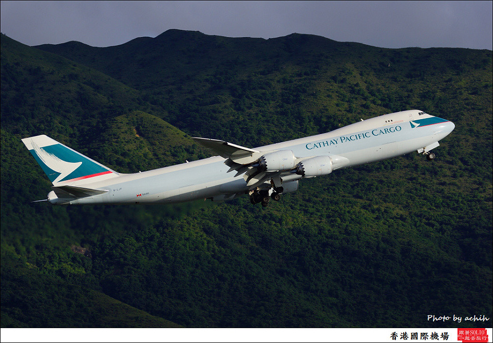 Cathay Pacific Airways Cargo / B-LJF / Hong Kong International Airport