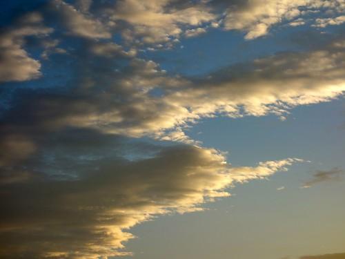 夕日を浴びた雲