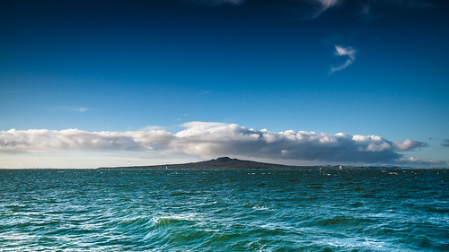 newzealand water clouds volcano waterfront auckland 2012 rangitoto lightroom wideanglelens canon1022mm haurakigulf canon1022 aucklandwaterfront canon7d