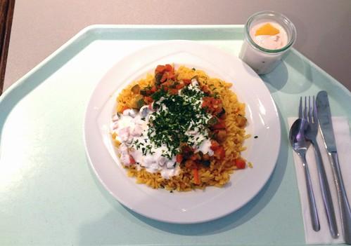 Curryreis mit Zucchini-Möhrengemüse