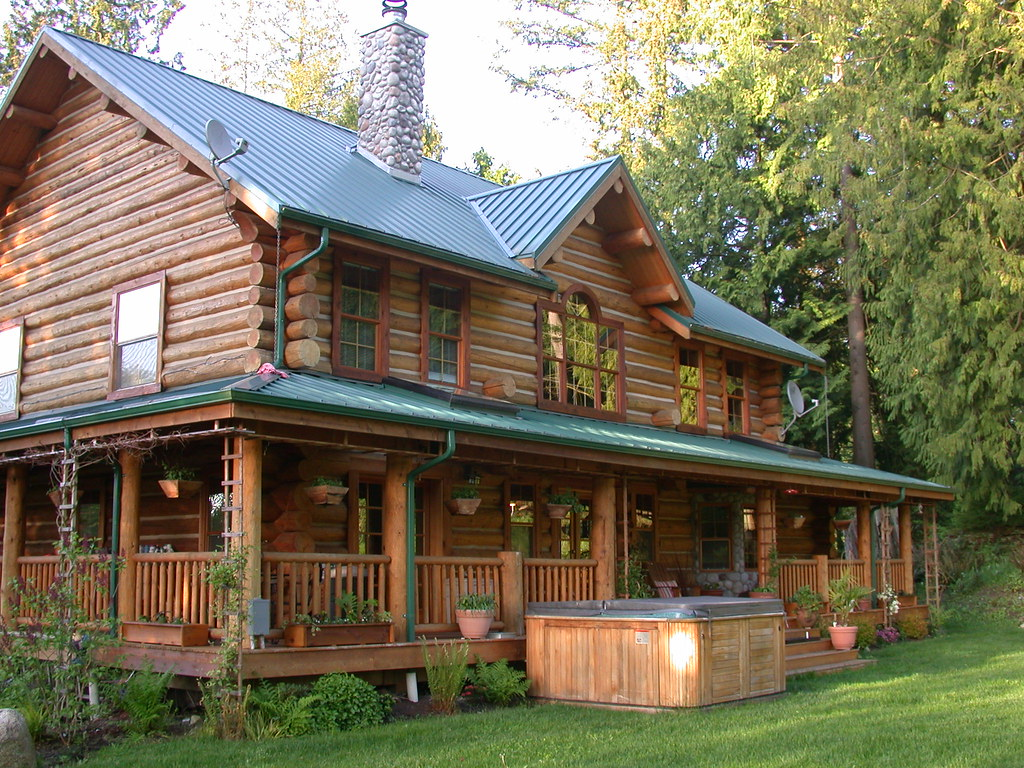 Log home exteriors gallery 1 creasey log homes for Log home pictures exterior