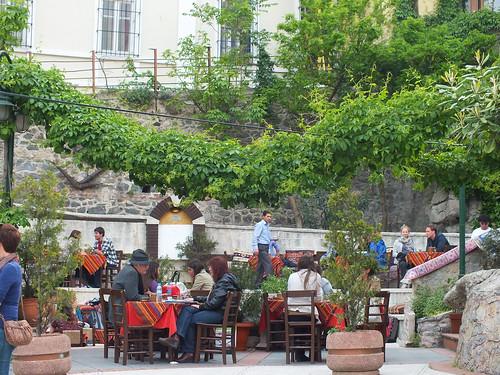 Genovai fal genovai kávézóval