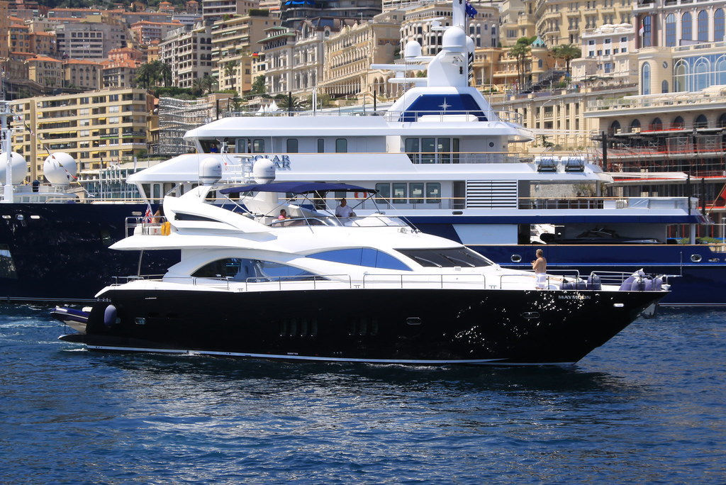 Maymoon (Sunseeker 90 Yacht)