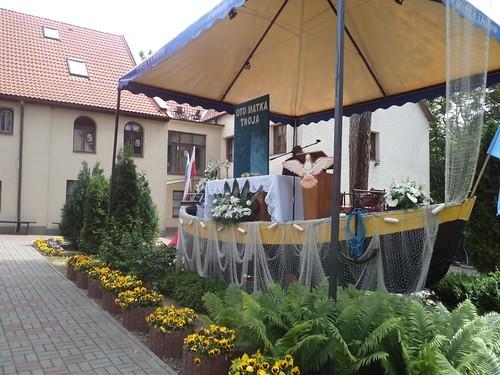 Tymczasowy Ołtarz jak Łódź - Temporary Altar like a Boat by xpisto1