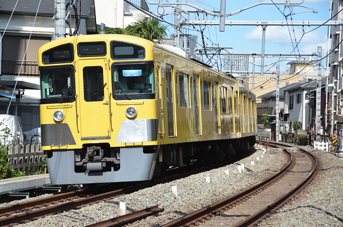 Seibu Railway series 2000 near Shiinamachi station 椎名町駅