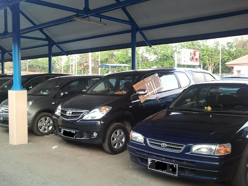 Parkir Mobil Inap