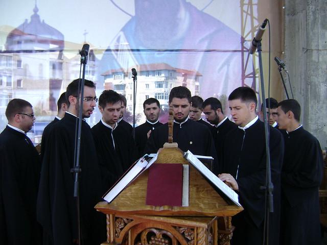 Sfintire Catedrala Mioveni 01.07.2012