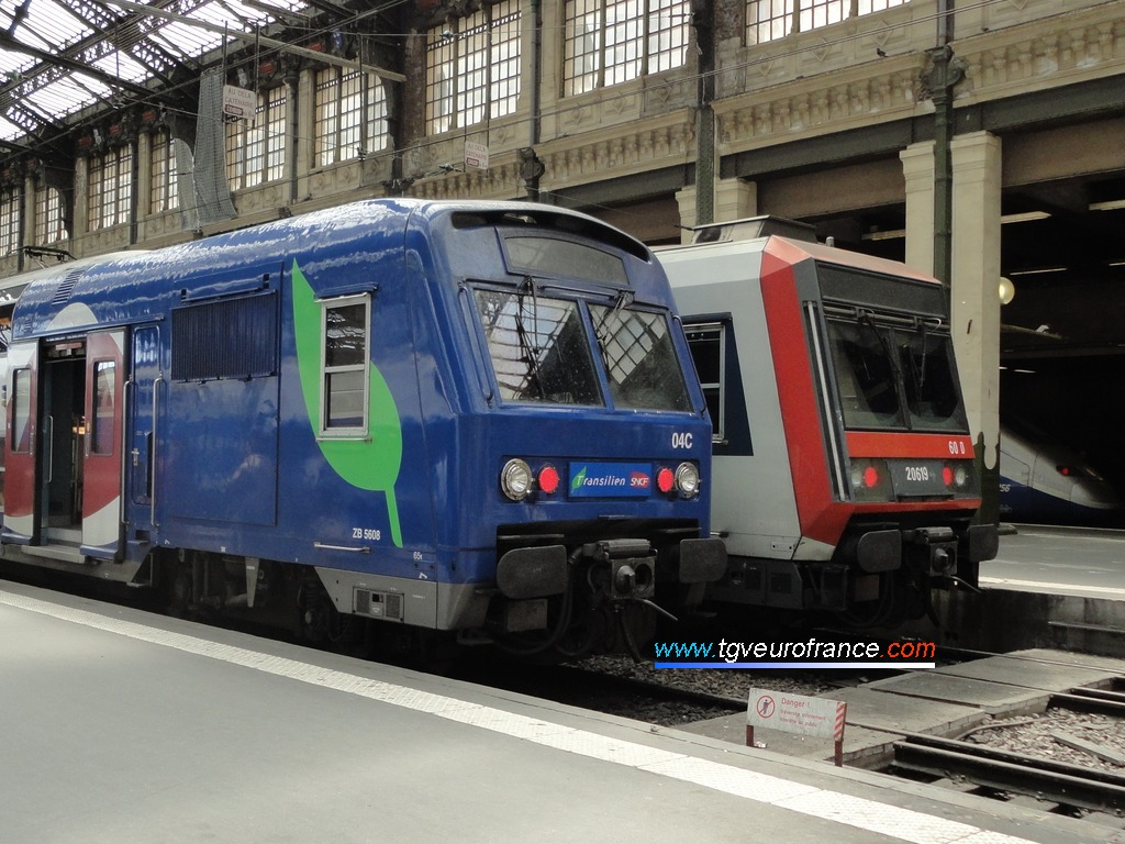 Two electric railcars in Paris on 10 May 2012