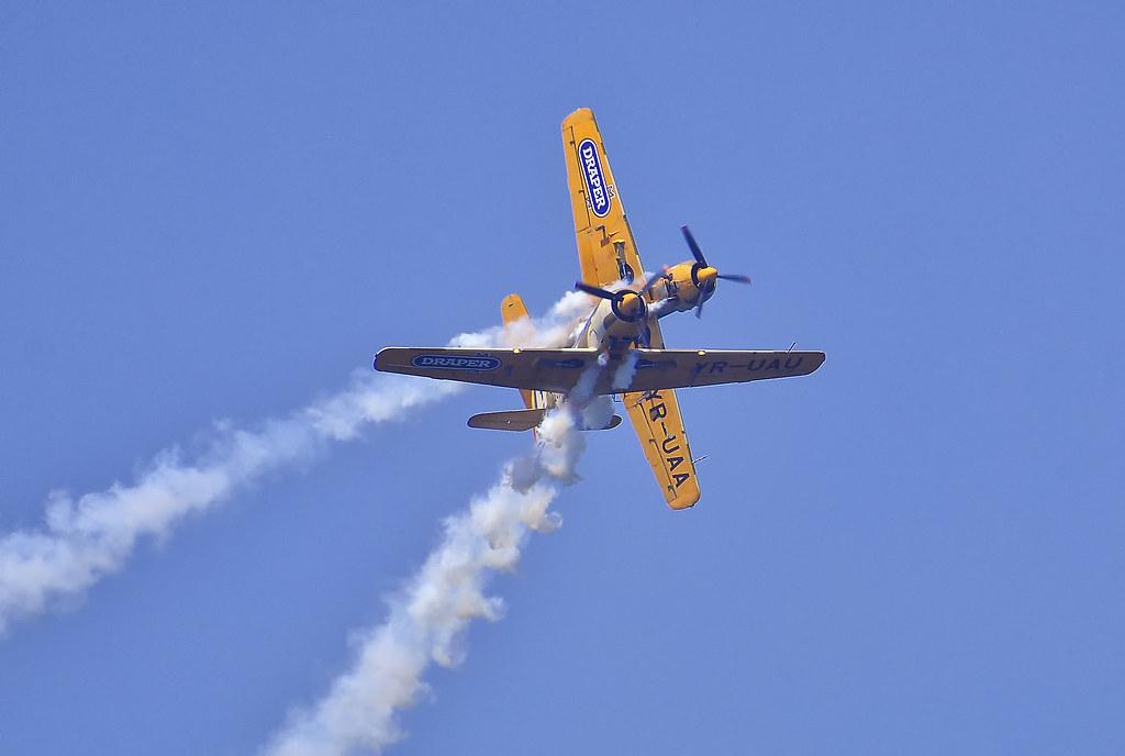 AeroNautic Show Surduc 2012 - Poze 7521293576_0d5f657d65_b