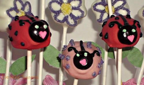 Ladybug Cake Pops (9)