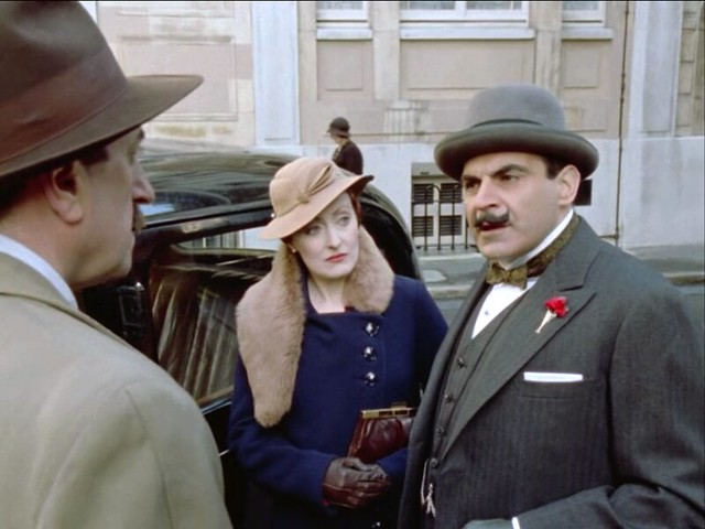 Poirot_MsLemon_HickoryDickory_furstolebrown1 copy