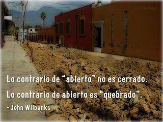 """Lo contrario de """"abierto"""" no es cerrado. Lo contrario de abierto es """"quebrado"""". @cgreen @wilbanks #oercongress #oer"""