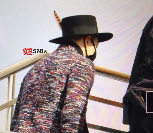 Big Bang - Harbin Airport - 22mar2015 - Tae Yang - YB 518 - 01