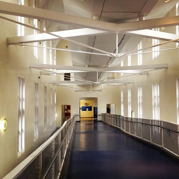 Corridor Roof Design: Photo