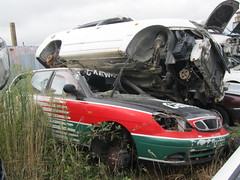 compact car(0.0), sports car(0.0), accident(1.0), automobile(1.0), automotive exterior(1.0), sport utility vehicle(1.0), traffic collision(1.0), vehicle(1.0), mid-size car(1.0), bumper(1.0),