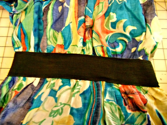 Hawaiian Dress Recon - elastic waistband, inside