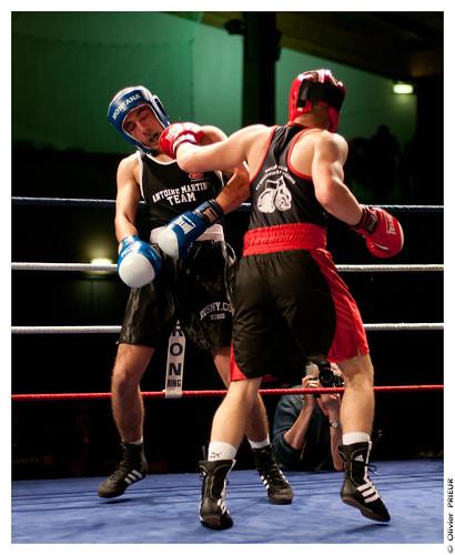 """Gala de Boxe 5 mai 2012 : 7ème combat Antoine """"Tyzeur Soldat Fou"""" (BCSQY) contre Amir (Rosny-sous-Bois) by Olivier PRIEUR"""
