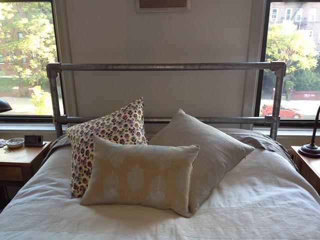 HL Pipe Bed Frame