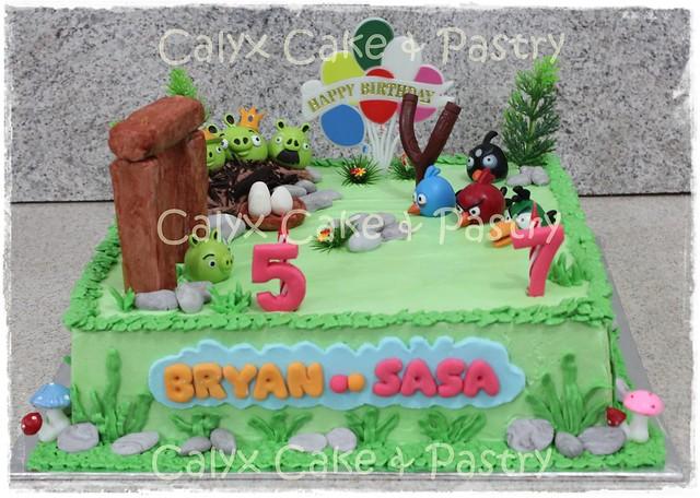 photo kue ulang tahun angry bird by sarikaya cakes lapangan bola angry ...