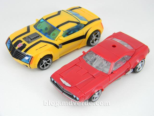 Transformers Cliffjumper Deluxe - Prime RID - modo alterno vs Bumblebee FE